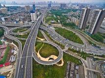 航拍城市高架桥桥梁路lan鸟眼睛视图  免版税库存照片