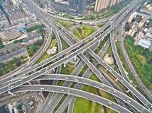 航拍城市高架桥桥梁路lan鸟眼睛视图  库存照片