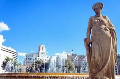 航海雕塑在加泰罗尼亚广场在巴塞罗那,西班牙 免版税图库摄影