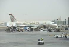 航空公司Etihad的航空器在阿布扎比 库存图片