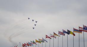 航空器和旗子 图库摄影