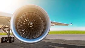 航空器喷气机引擎特写镜头、飞机起落架轮子翼和底盘在天空背景的,全景机场停放了 免版税库存照片