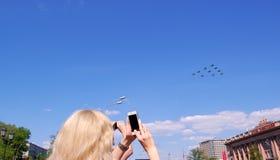航空器在天空中 库存照片