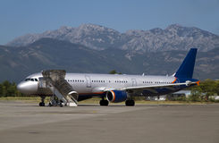 航空器在机场 库存照片