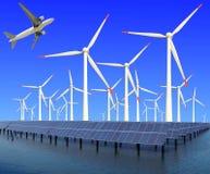 航空器在风轮机和太阳电池板的eco力量飞行 免版税库存图片