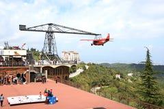 航空器在Tibidabo的游乐园在巴塞罗那 库存图片