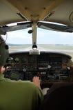 航空器小飞机的驾驶舱 库存照片