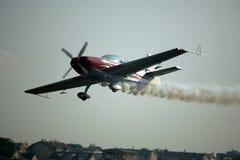 航空器抽烟 免版税图库摄影