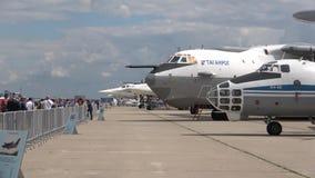 航空器的博览会在飞行表演` MAKS-2017 `的 茹科夫斯基,俄罗斯 股票录像