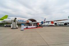 航空器的原型在欧洲空中客车A340-300 MSN1射出刀片Breakthrouh层流航空器示威者 免版税库存图片