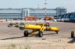航空器的拖曳栓载体 库存照片