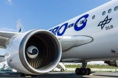 航空器的涡轮风扇引擎为模仿作用失重-空中客车A310 ZERO-G 库存照片