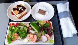 航空器的航空公司膳食 免版税图库摄影