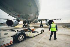航空器的飞机推迟起飞 免版税库存照片