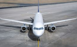 航空器结束驾驶舱现代 免版税库存照片