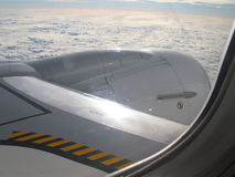 从航空器视窗的视图 免版税库存图片