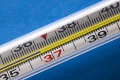 航空检查水银温度温度计 理想的温度36 6 库存照片