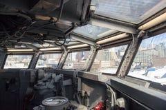 航空母舰和它的驾驶舱的内部 图库摄影