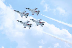 航空演示强制小组雷鸟 免版税库存照片