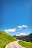 航空蓝色云彩国家(地区)开放全景路西西里岛天空 免版税库存照片