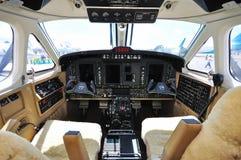 航空b200gt beechcraft驾驶舱叫卖小贩国王 库存图片