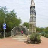 航空Bikeway和响尾蛇桥梁,图森,亚利桑那 免版税图库摄影