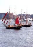 航行二的小船 免版税库存图片