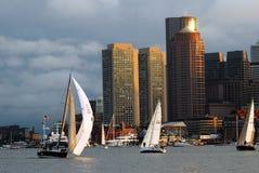 航行在波士顿港口 库存图片