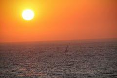 航行在海洋 免版税库存照片