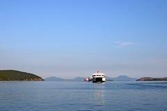 航行在爱奥尼亚海的渡轮 库存照片