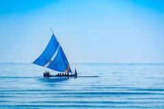 航行在独木舟 库存图片