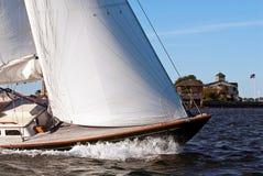 航行在纽波特,罗德岛州。 免版税库存照片