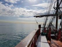 航行在船 免版税库存照片