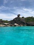 航行岩石在普吉岛 免版税图库摄影