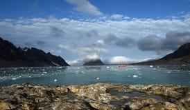 航行斯瓦尔巴特群岛 库存图片