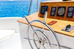 航行游艇导轮和航海贯彻 库存图片