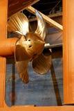 航行螺丝船 库存图片