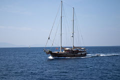 航行Gulet近海处Yatch到Kos海岛希腊 免版税库存图片