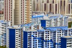 舱内甲板新加坡摩天大楼 库存图片