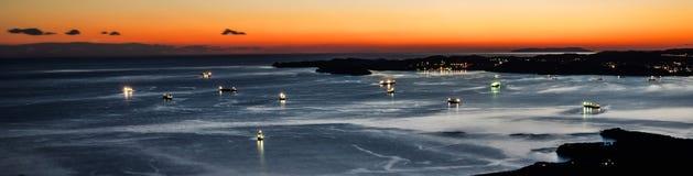 船和城市 免版税库存照片