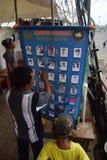 船在丹戎Emas口岸的Dewaruci中止在三宝垄 库存图片