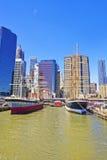 船在南大街海口港口在更低的曼哈顿 免版税库存图片