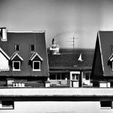 船在城市 在黑白的艺术性的神色 库存照片