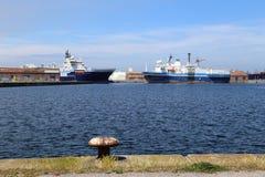 货船在敦刻尔克港口  免版税库存照片