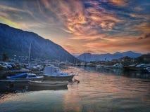 船在科托尔,黑山 免版税库存图片