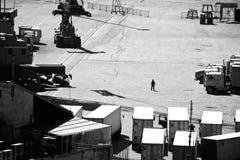 船坞的人 免版税库存照片