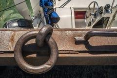 船坞的停泊磁夹板 免版税库存照片