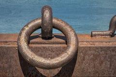 船坞的停泊磁夹板 免版税图库摄影