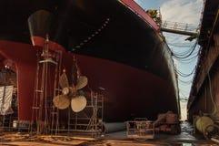 船推进器特写镜头在干船坞的 免版税库存照片