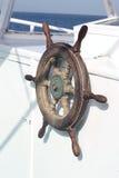 船方向盘 免版税库存图片